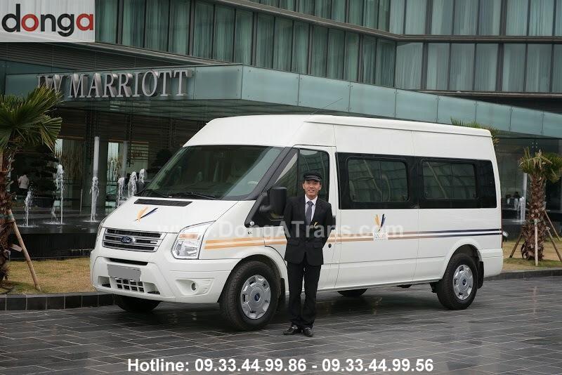 thue-xe-ford-transit-dcar-limousine-9-cho-10-cho