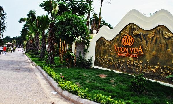 gia-cho-thue-xe-limousine-di-vuon-vua-resort