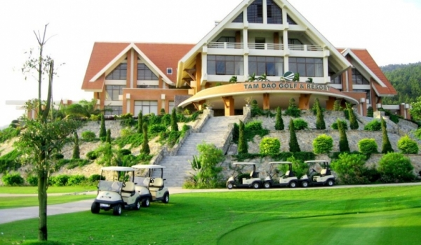 thue-xe-dcar-limousine-di-tam-dao-golf-&-resort