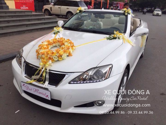 cho-thue-xe-cuoi-Lexus-Is250